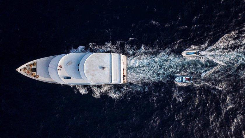 Speedboat 2